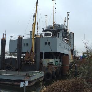 Binnenhafen Harburg - Baggerschiff